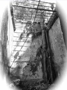 Une des cellules du bagne de Guyane